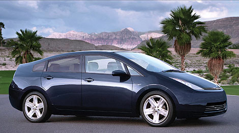Toyota Prius 2009 model year  (image credits - Ron Lieberson, Popular Mechanics)